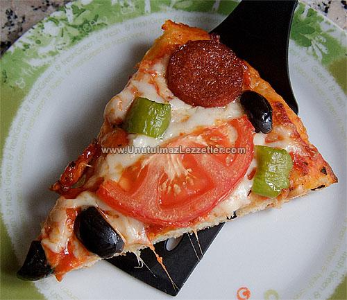 fırın tepsisinde pizza nasıl yapılır